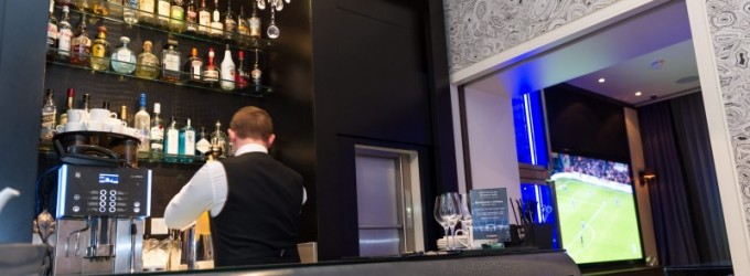 Guests will stay longer in a hotel bar that features live sport, says Sky