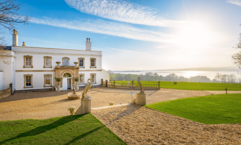 Lympstone Manor GM steps aside